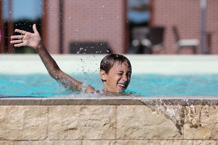 Последние места в школе плавания для детей Superior swimmer!